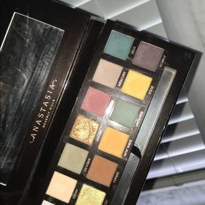 """Anastasia Beverly Hills """"subculture"""" pallet"""